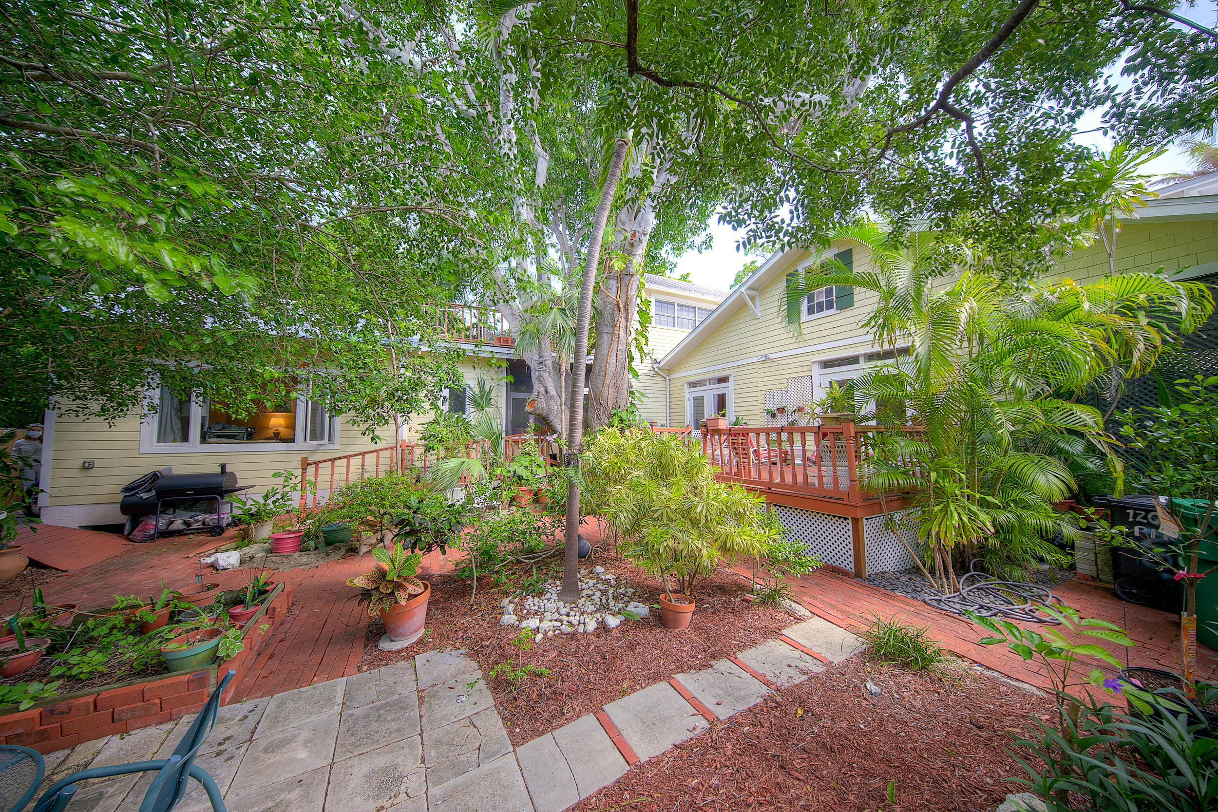 1207 Pine Street Property Photo 1