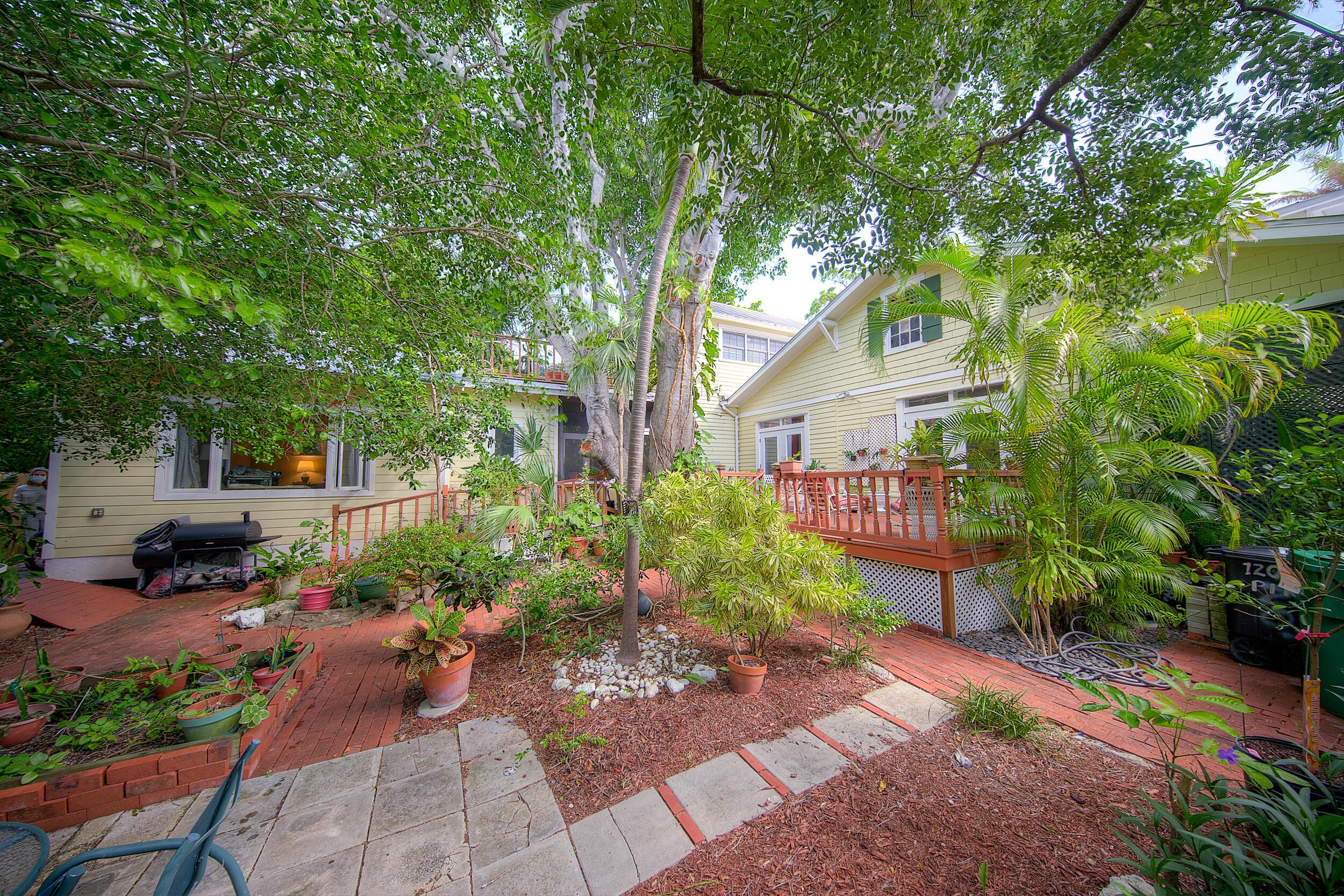 1207 Pine Street Property Photo