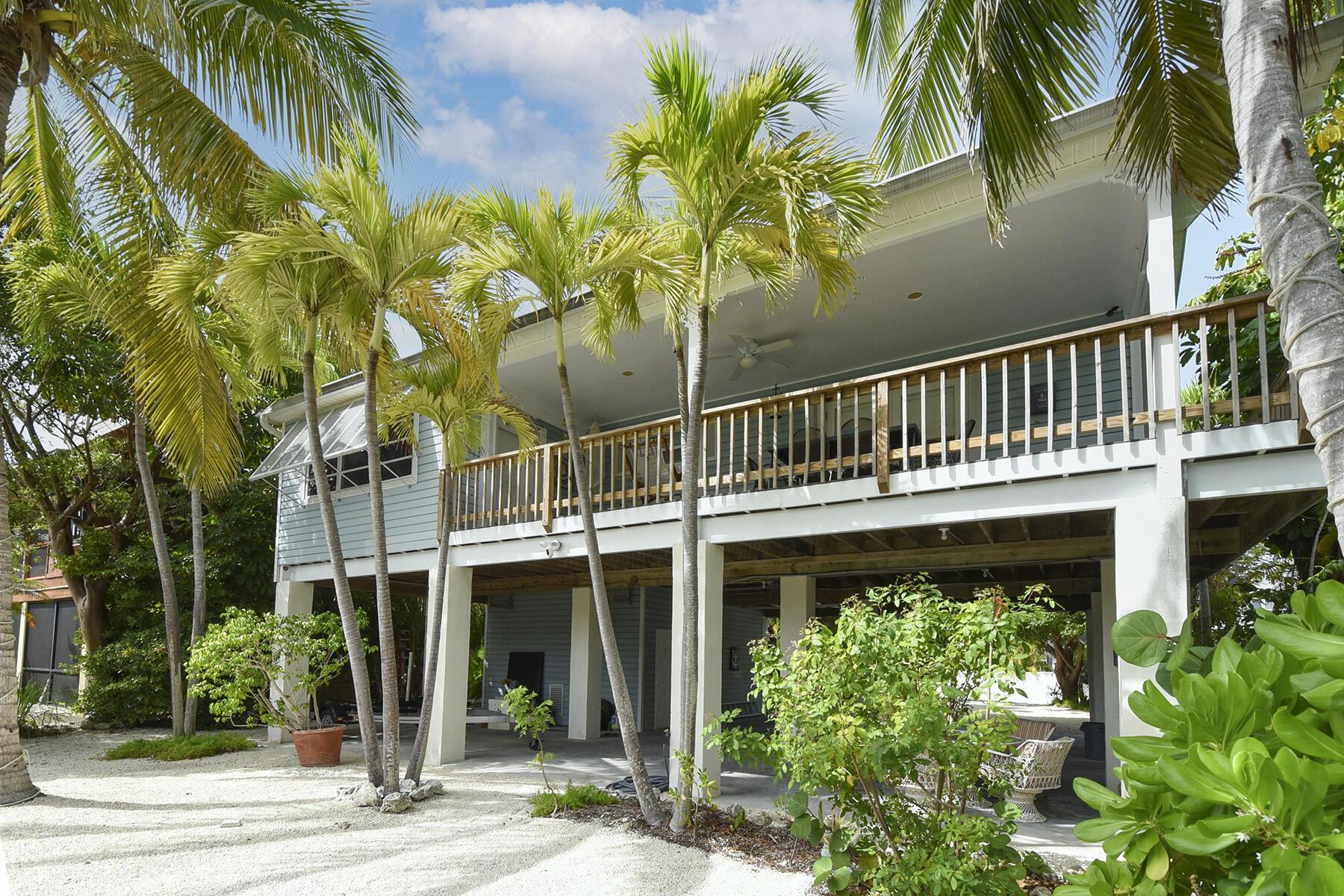 1161 Coates Lane Property Photo 1