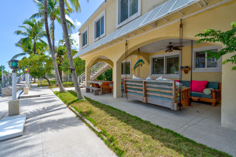 1121& 1123 Grand Street Property Photo 1