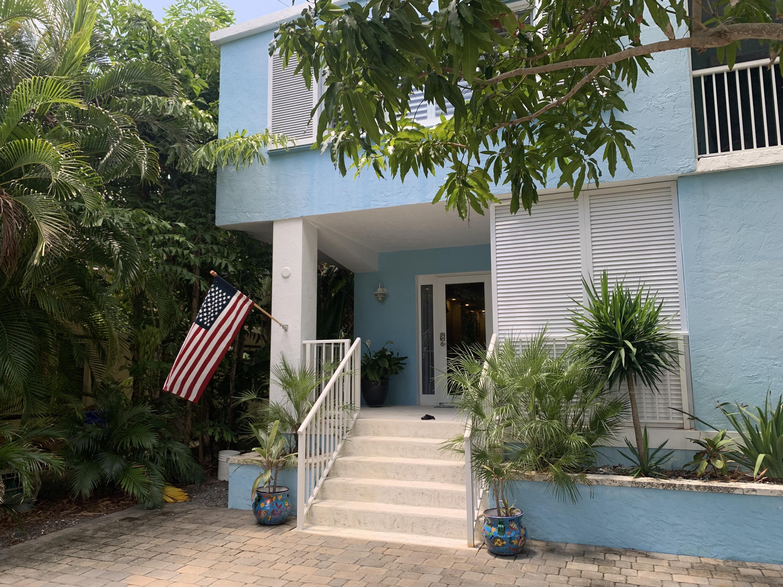 151 N Coconut Palm Boulevard Property Photo 1