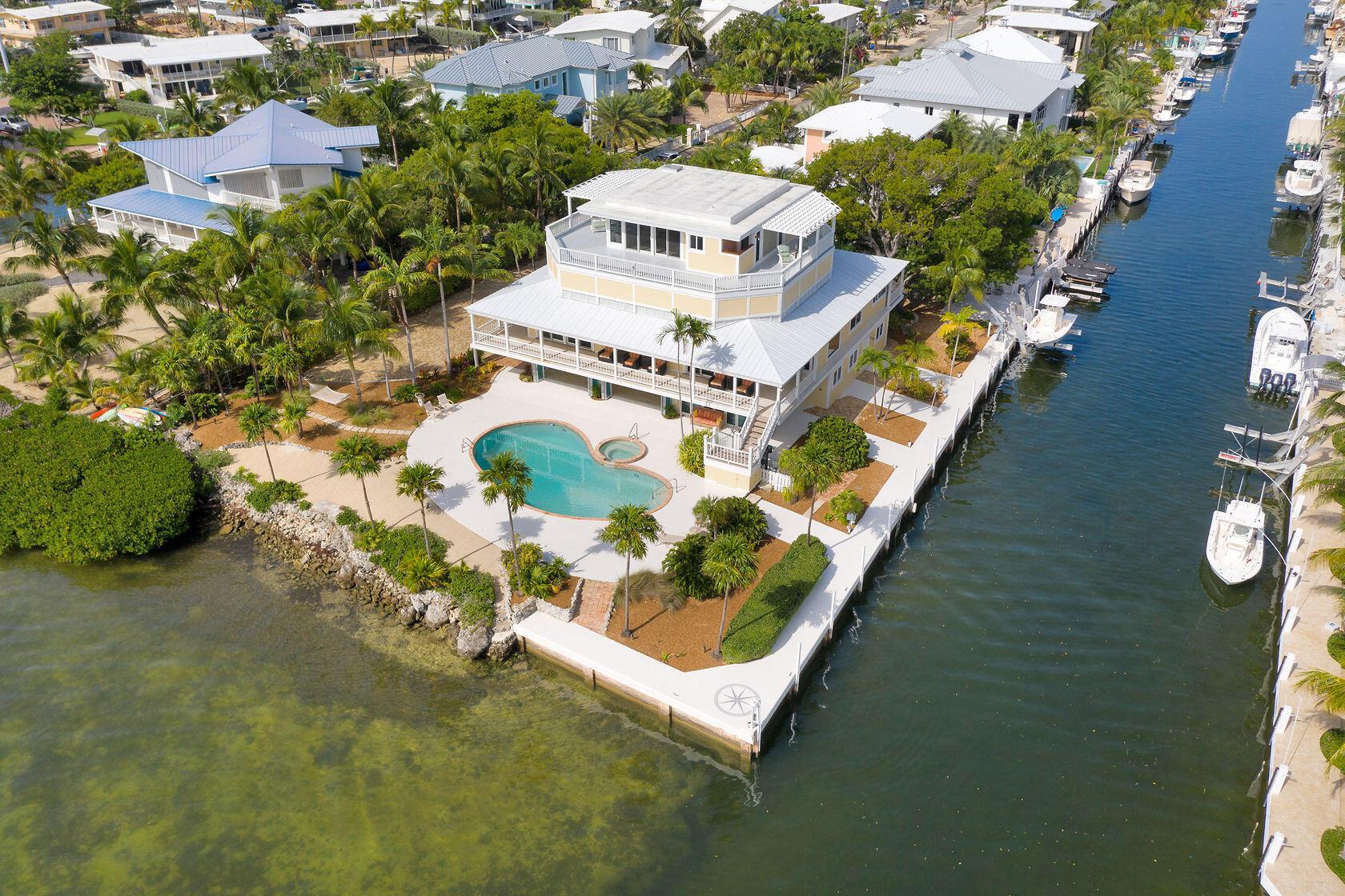 200 Harbor Drive Property Photo 2
