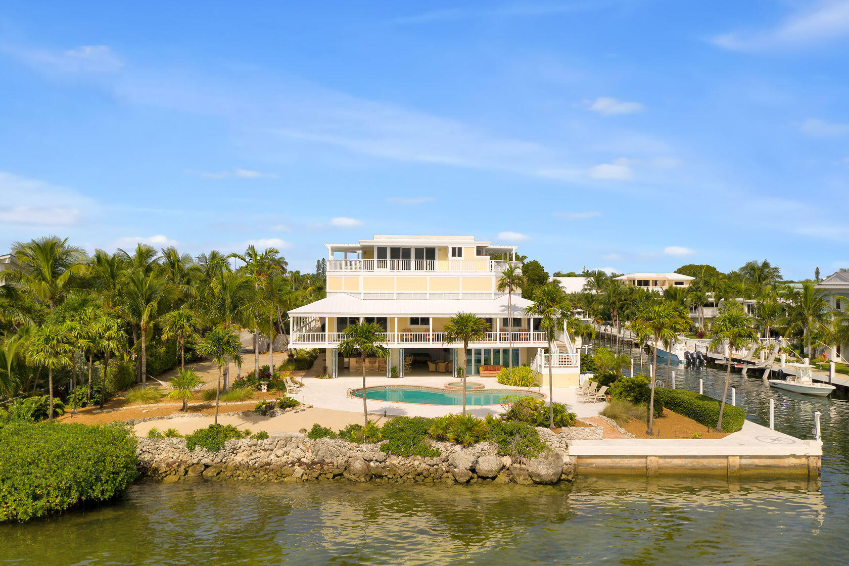 200 Harbor Drive Property Photo 4
