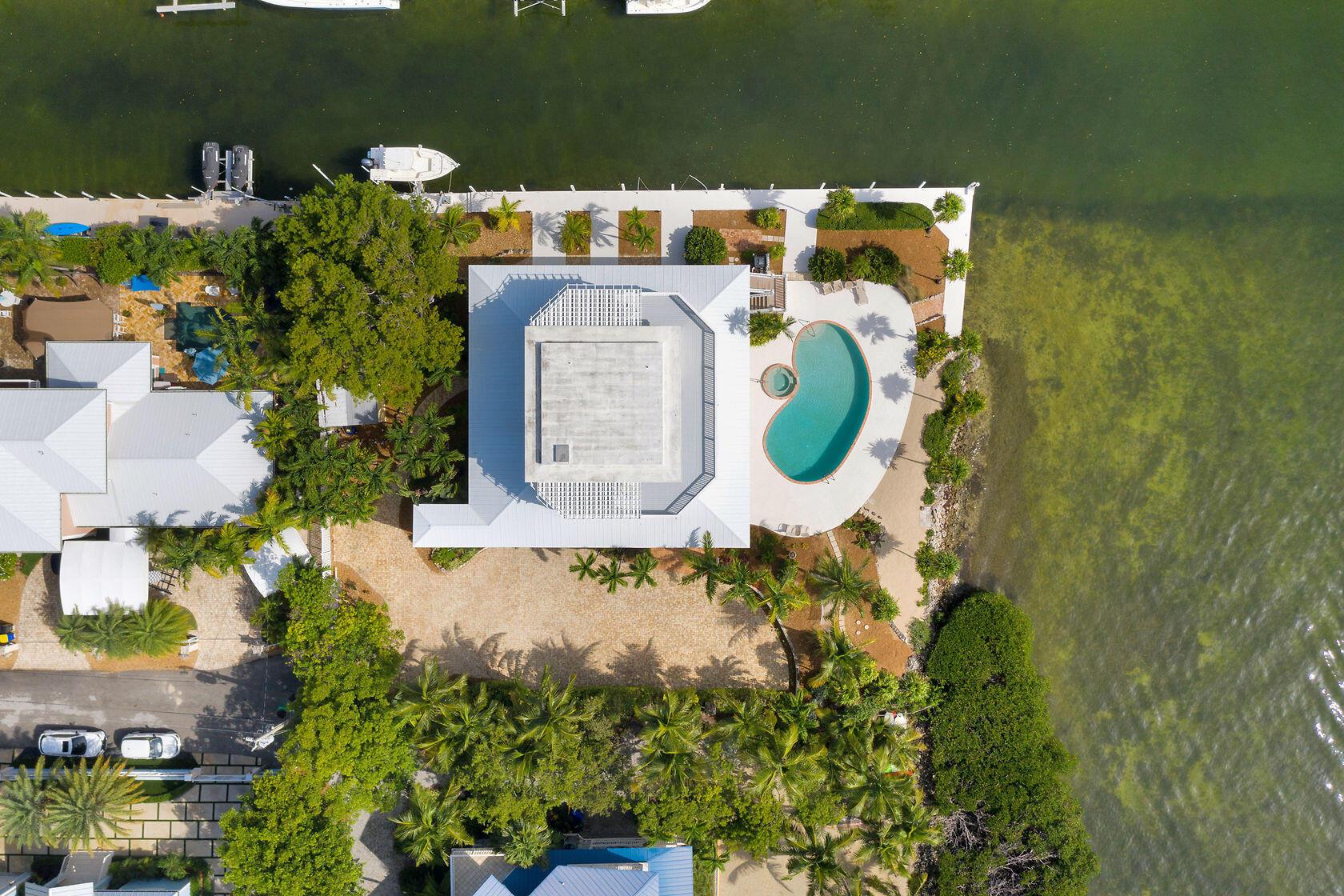 200 Harbor Drive Property Photo 6