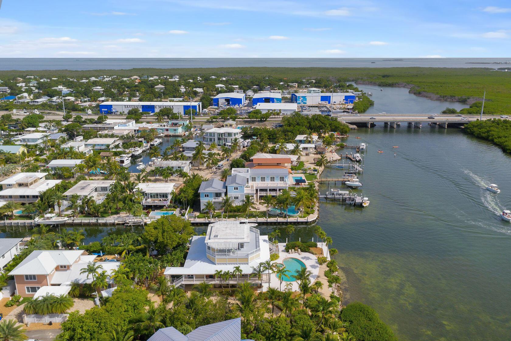 200 Harbor Drive Property Photo 7
