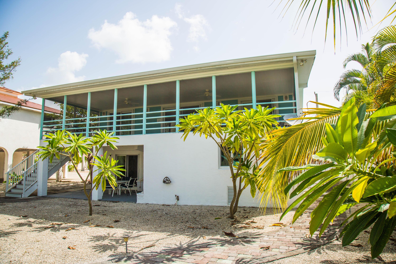 1042 E Caribbean Drive Property Photo 3