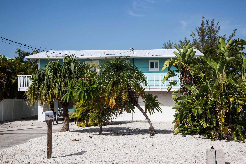 1042 E Caribbean Drive Property Photo 6