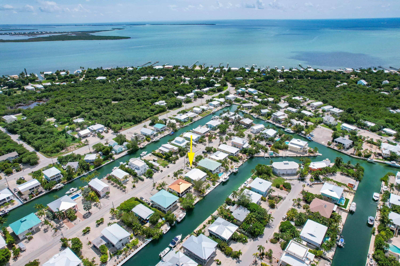 1042 E Caribbean Drive Property Photo 8