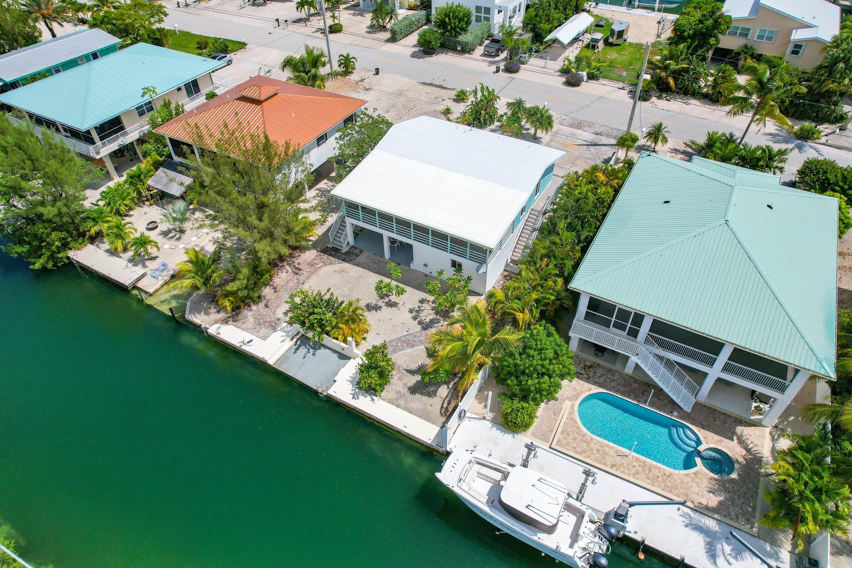 1042 E Caribbean Drive Property Photo 10