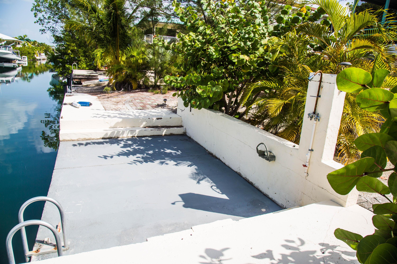 1042 E Caribbean Drive Property Photo 11