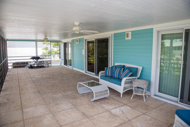 1042 E Caribbean Drive Property Photo 12