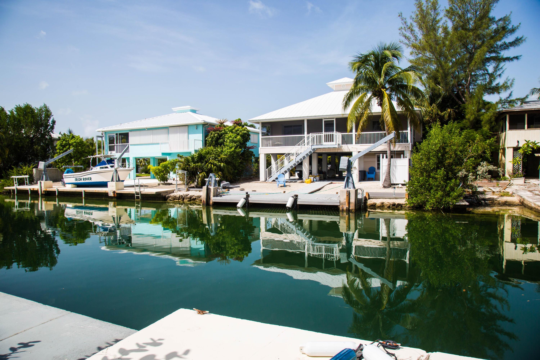 1042 E Caribbean Drive Property Photo 14