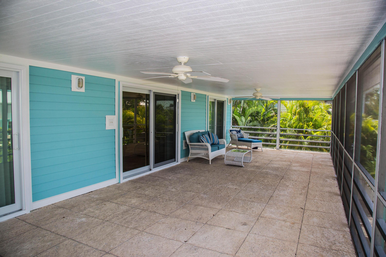 1042 E Caribbean Drive Property Photo 15