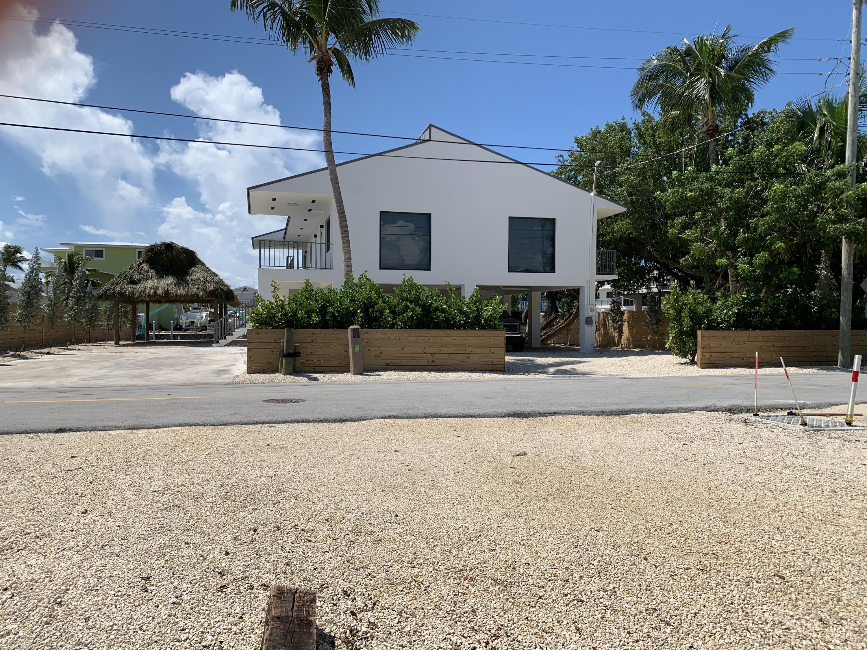 910 Lobster Lane Property Photo