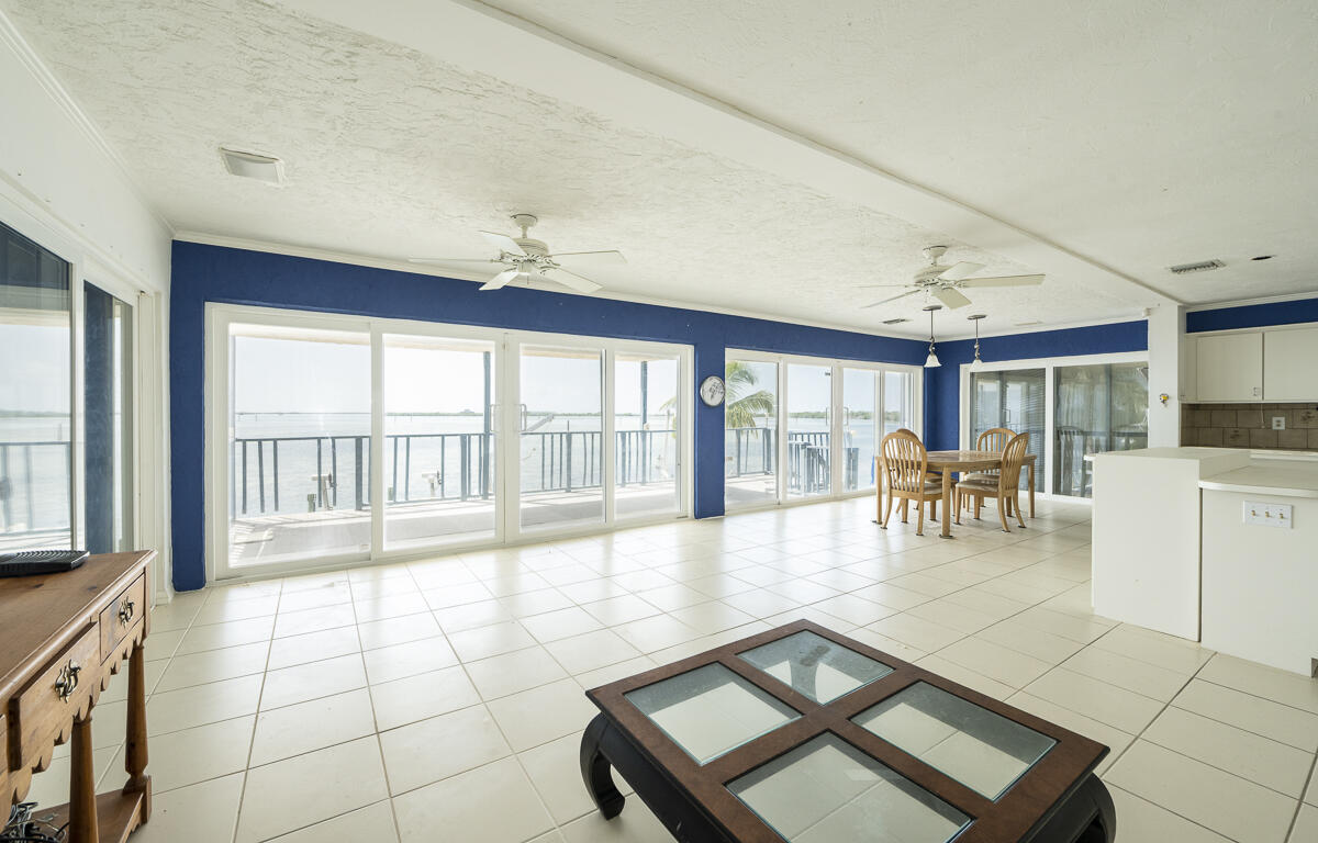 27440 W Indies Drive Property Photo 1