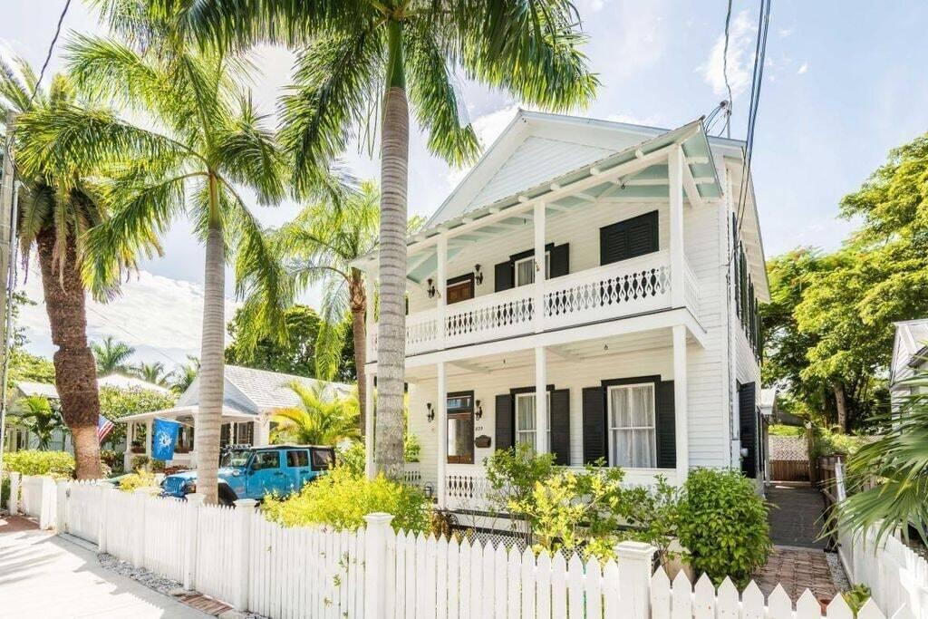 825 Southard Street Property Photo 1