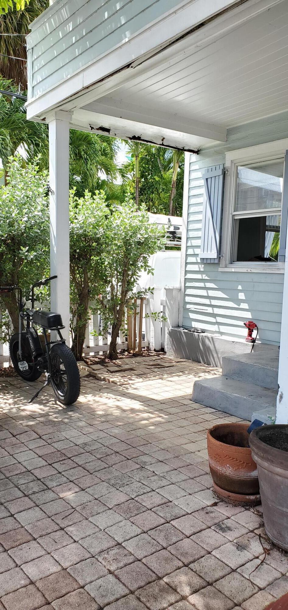 1301 Newton Street Property Photo 20