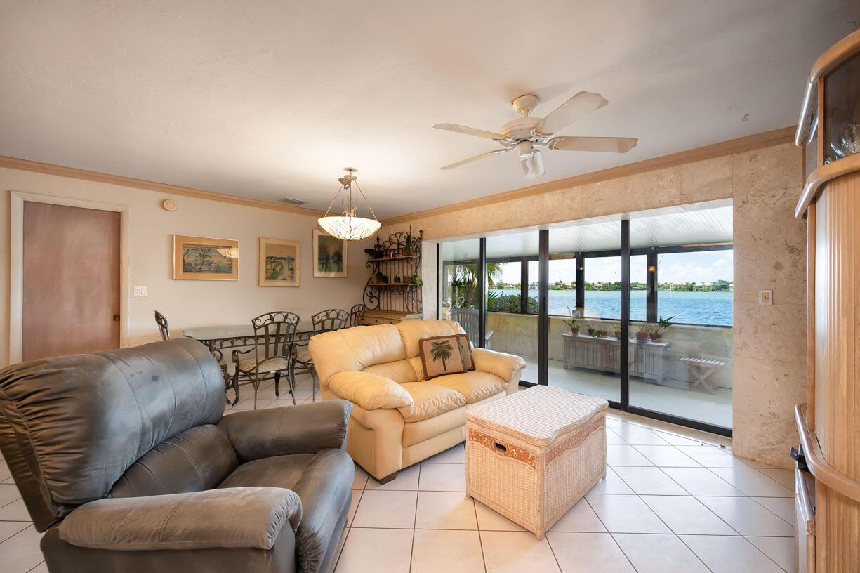 151 Shore Drive Property Photo 6