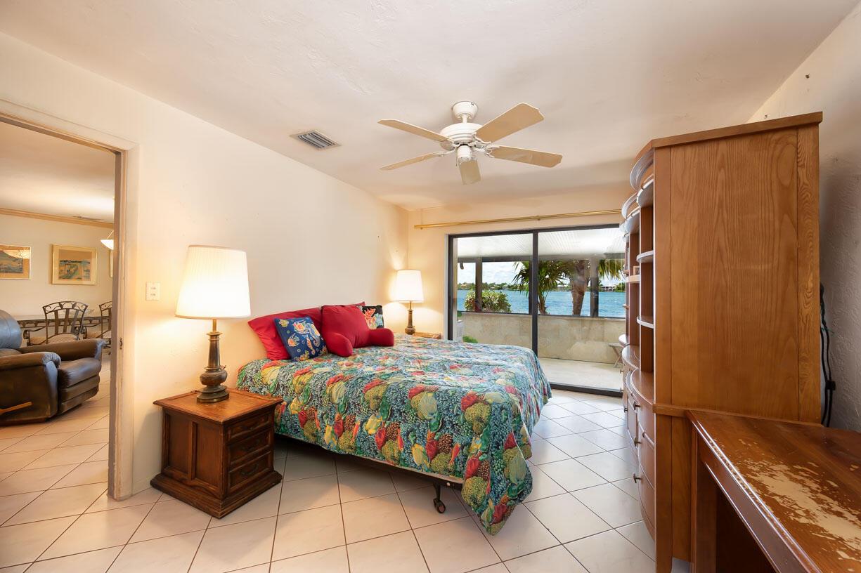 151 Shore Drive Property Photo 7
