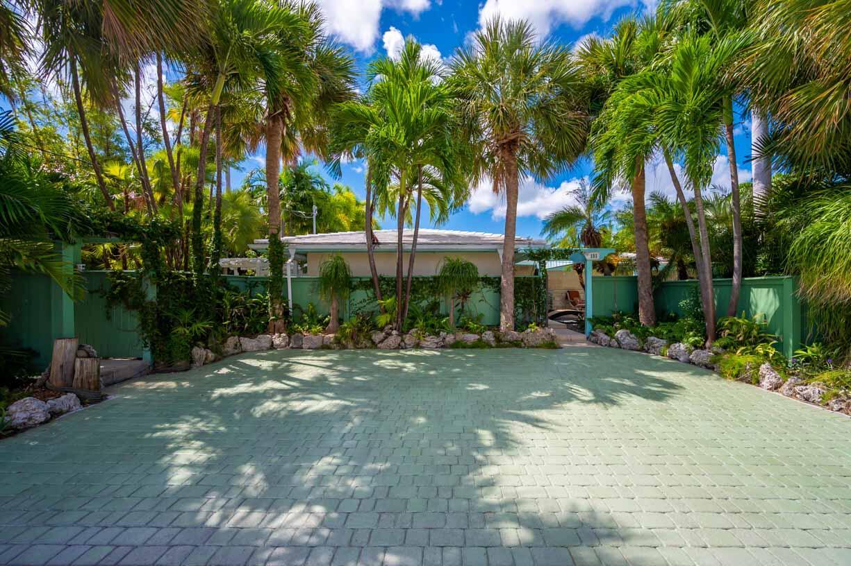 151 Shore Drive Property Photo 28