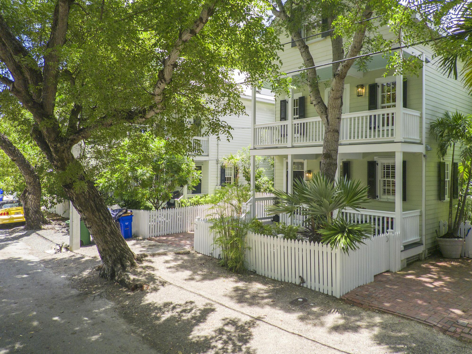 1221 Margaret Street Property Photo 1