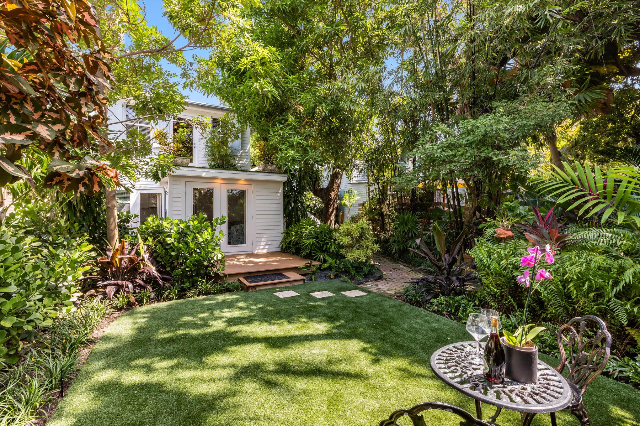 322 Margaret Street Property Photo 1