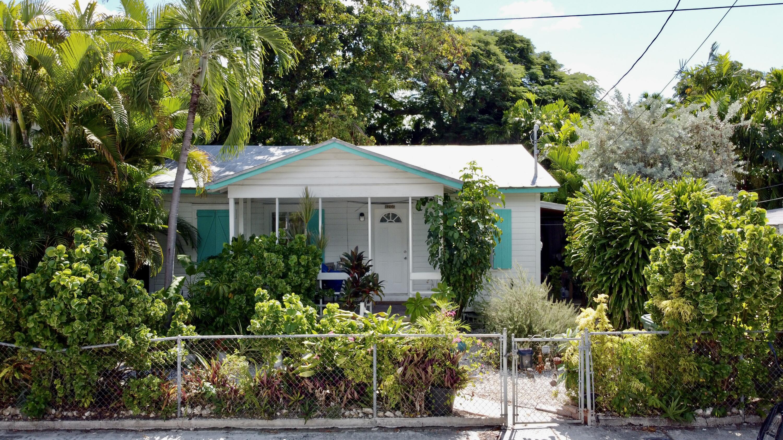 1208 Newton Street Property Photo 1