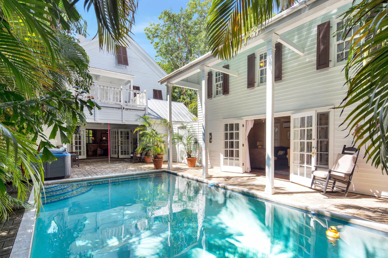 1009 Windsor Lane Property Photo 1