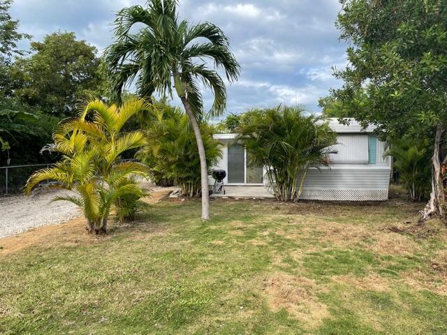 156 W County Road Property Photo 1