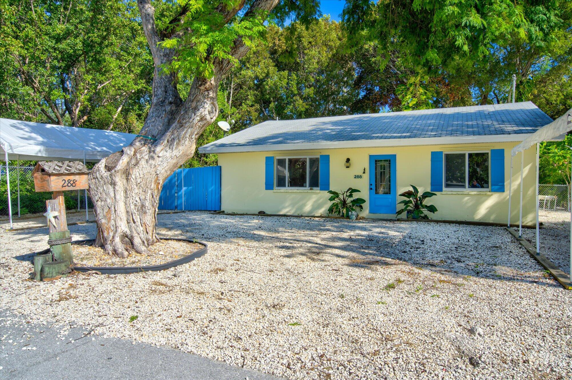 288 Gardenia Street Property Photo 1