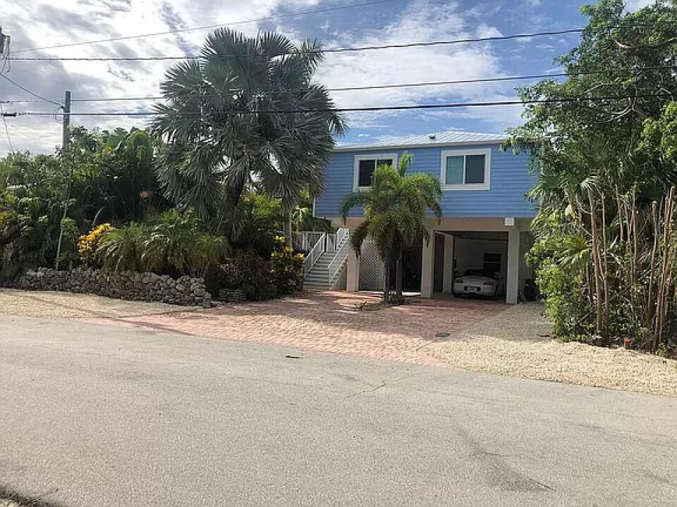 22924 Lookdown Lane Property Photo 1