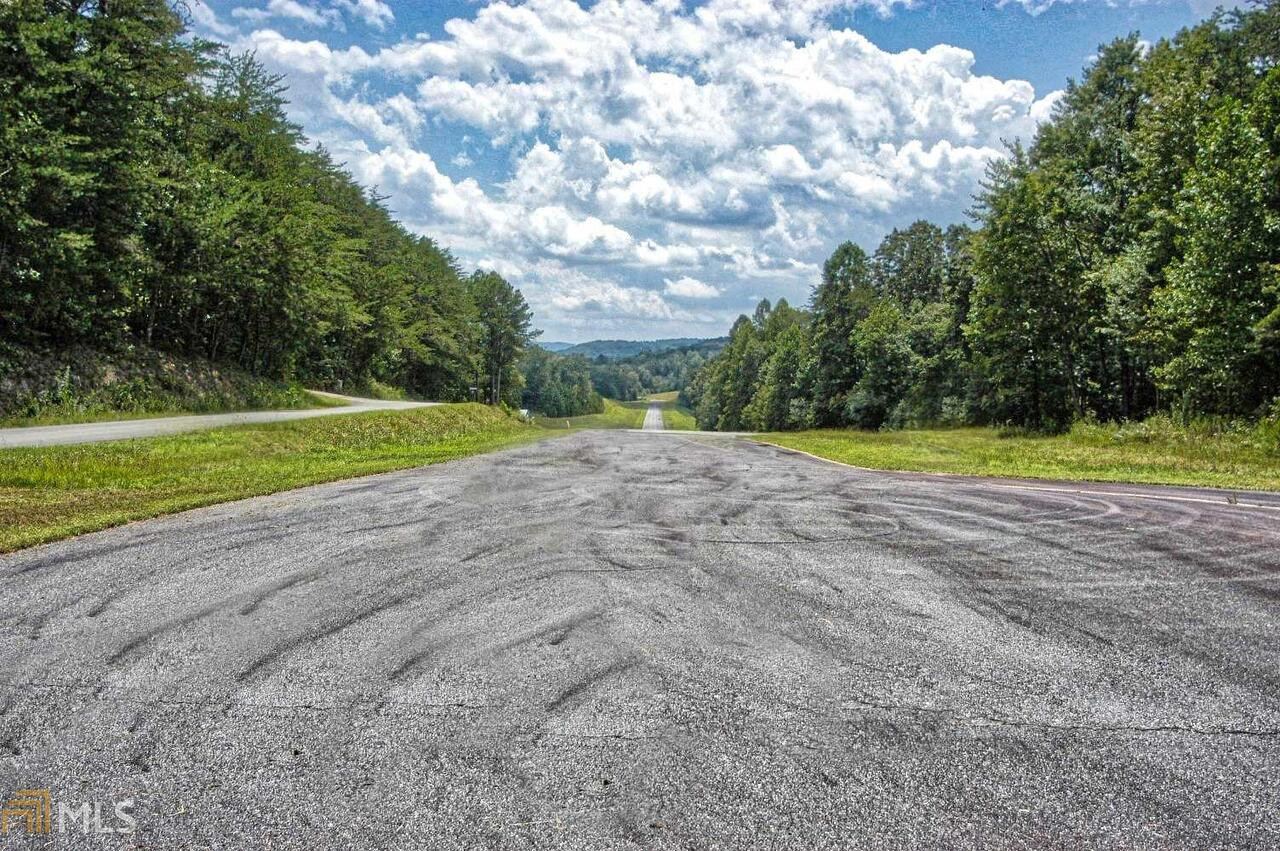 526 Red Bush School Road Property Photo