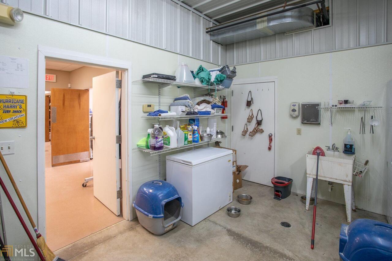 715 W Ogeechee Street Property Photo 36