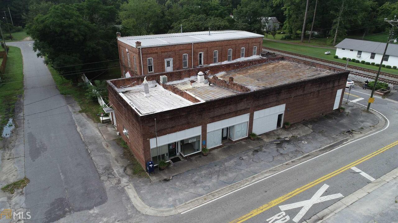 151 Main Street Property Photo