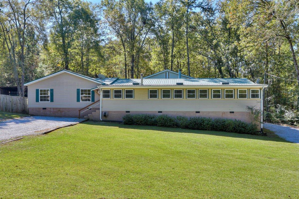 1041 West Lake Drive Property Photo