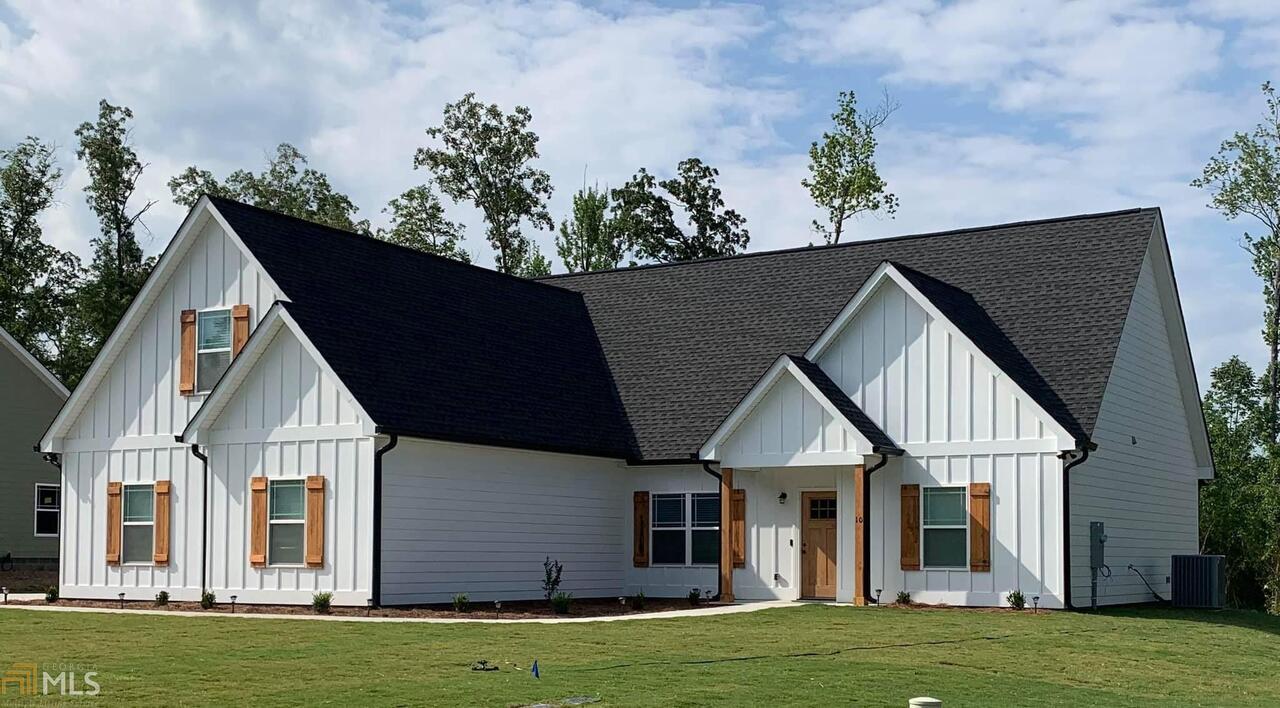 5 Misty Oaks Lane Ne Property Photo