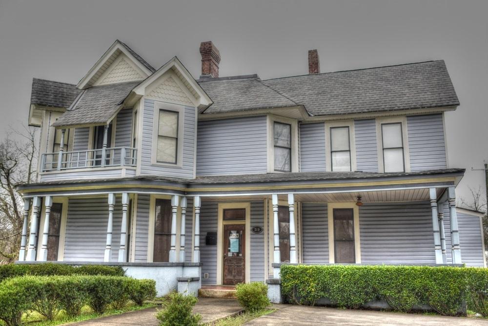 319 N Selvidge Street Property Photo