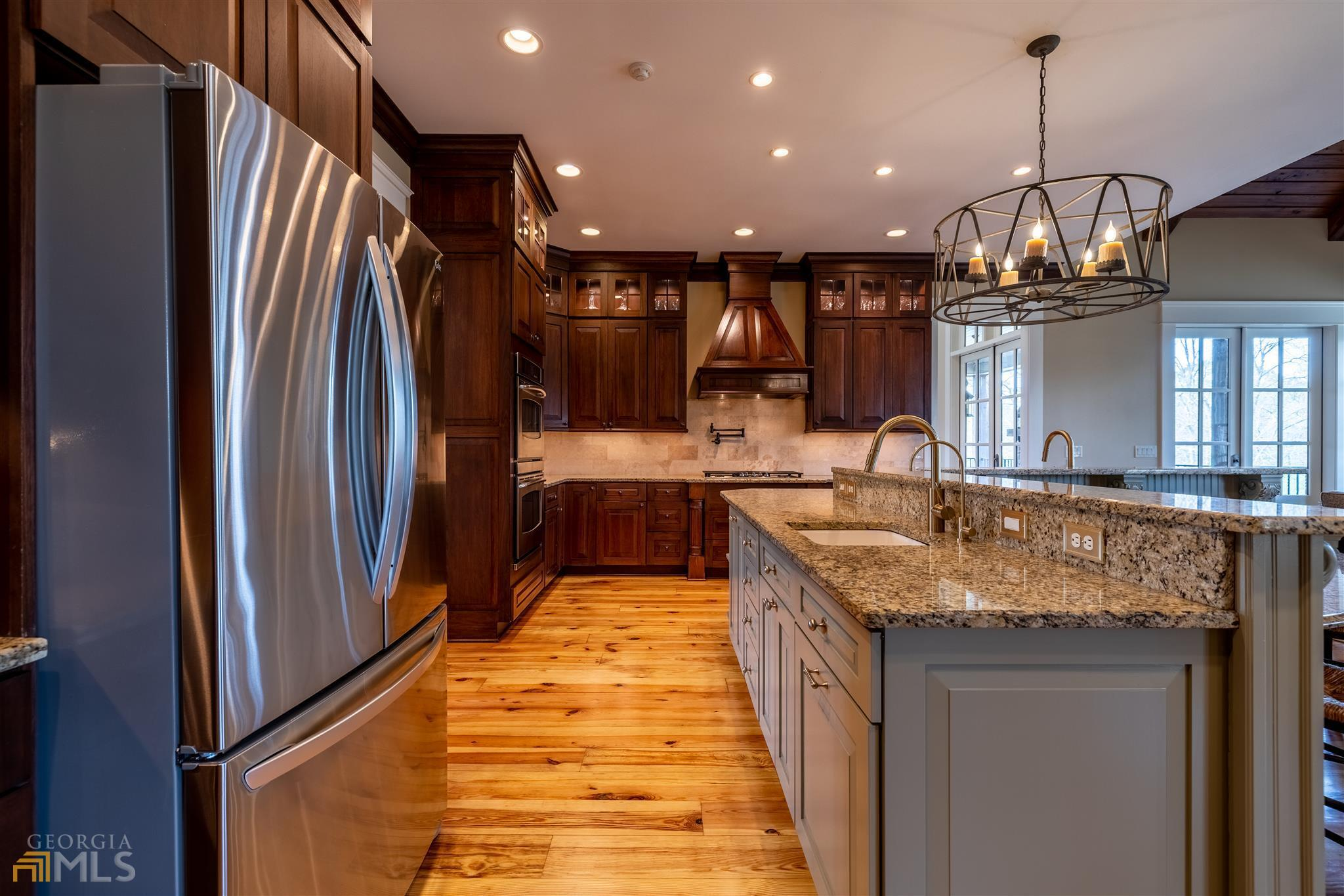 525 North River Road Property Photo 24
