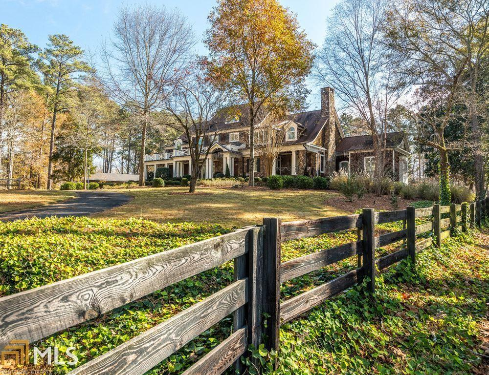 2003 Horseleg Creek Road Sw Property Photo 2