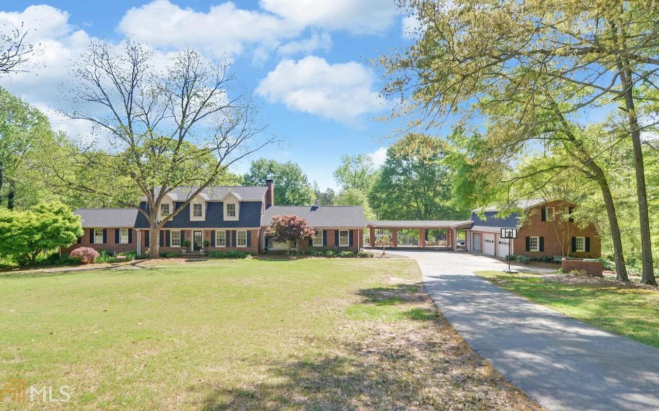 70 Lakeshore Drive Property Photo