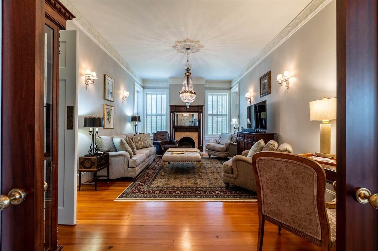 206 E 4th Avenue Property Photo 25