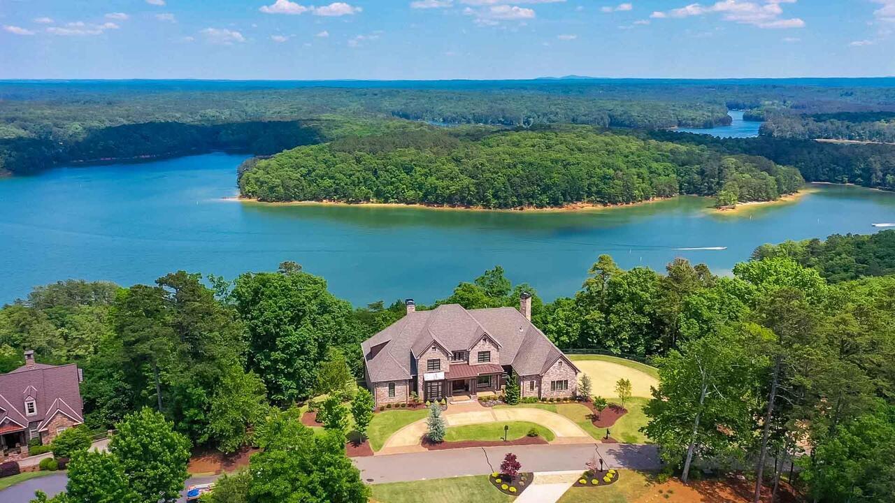 18 Edgewater Property Photo