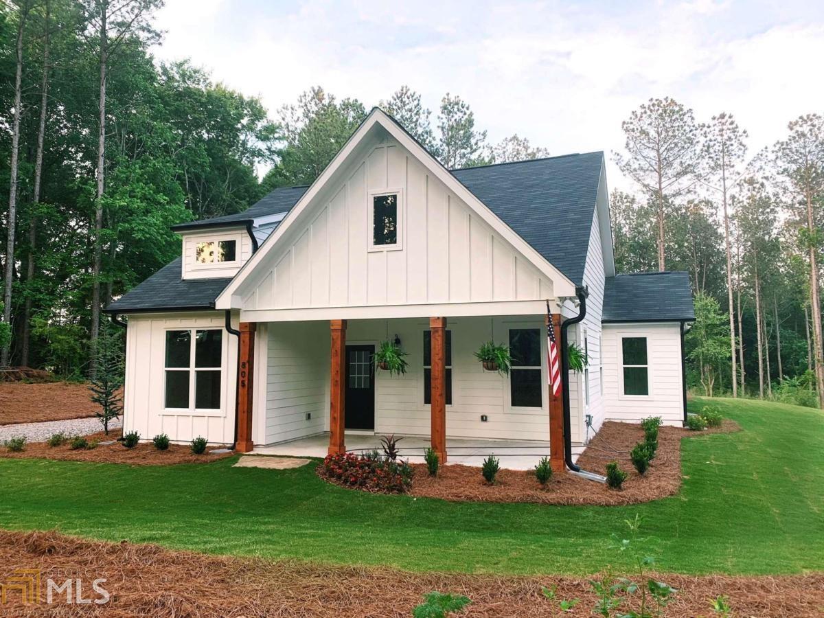 805 Gray Road Property Photo