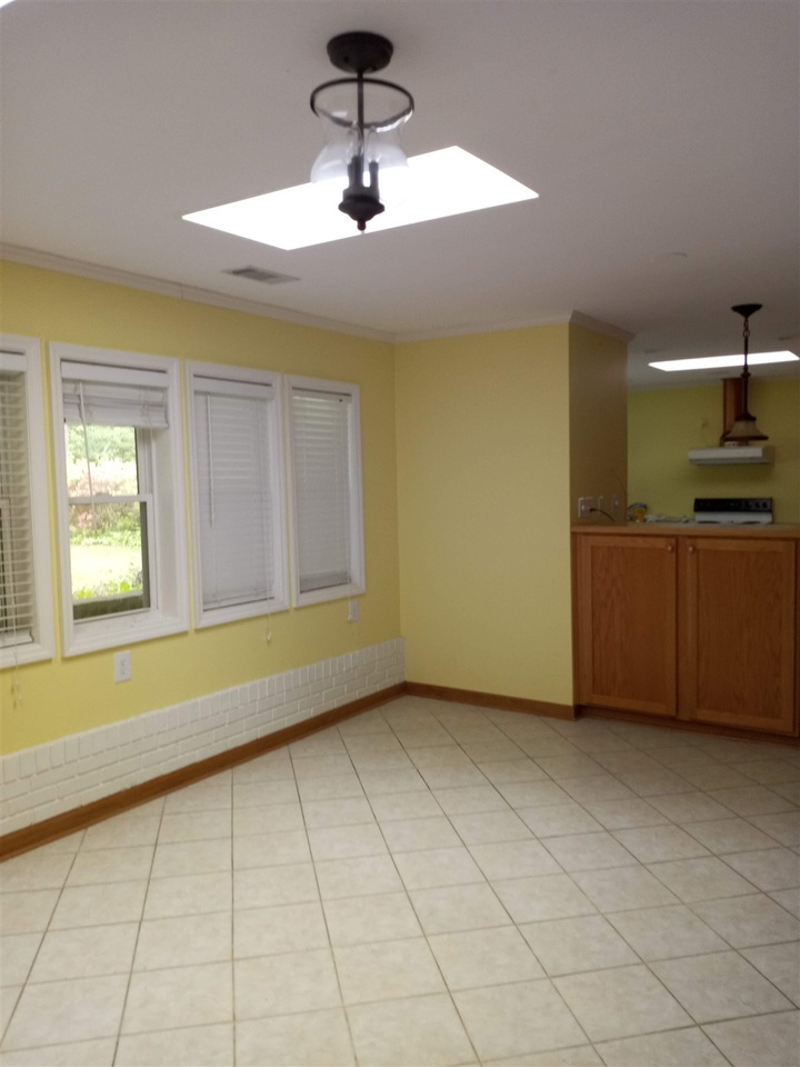 218 S Parkway Drive Property Photo 11