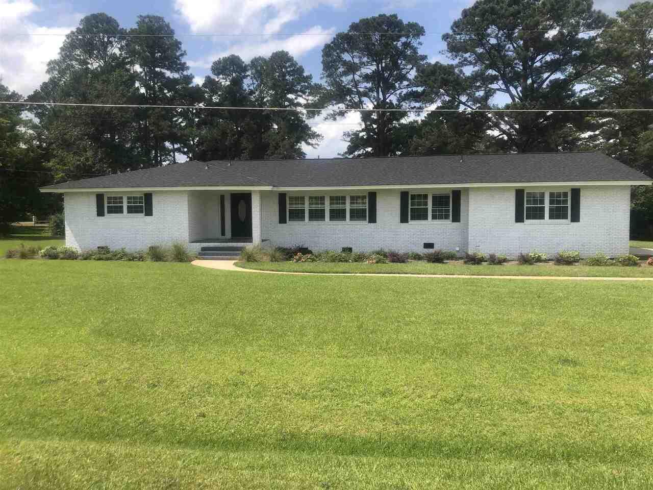 259 Lakeshore Circle Property Photo