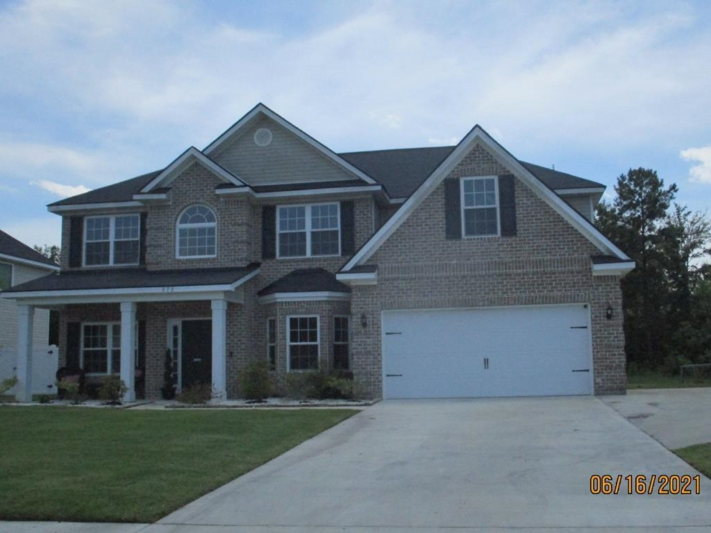 672 Red Oak Lane Property Photo