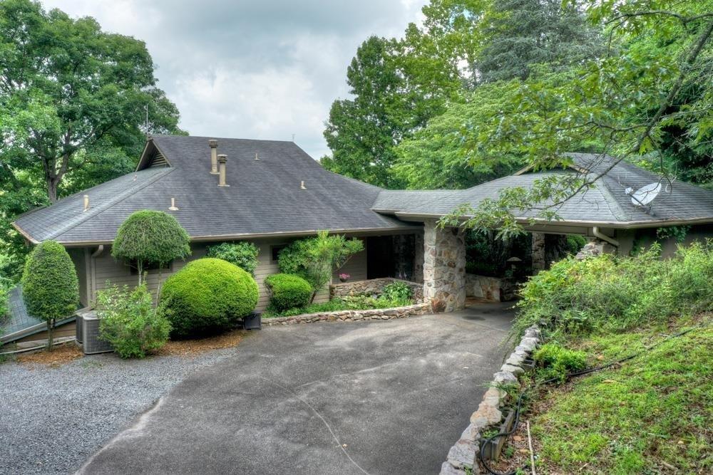327 Riverview Drive Property Photo