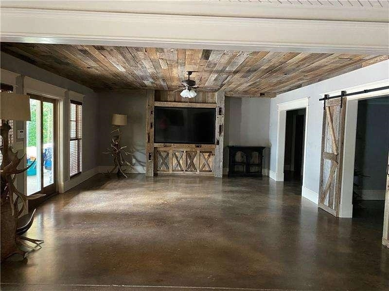 457 Arlington Way Property Photo 17
