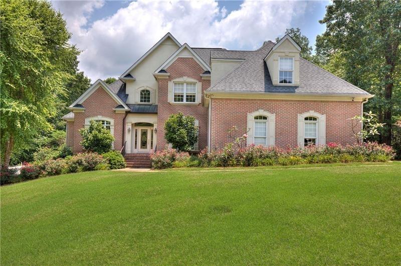 220 Ravenwood Drive Property Photo