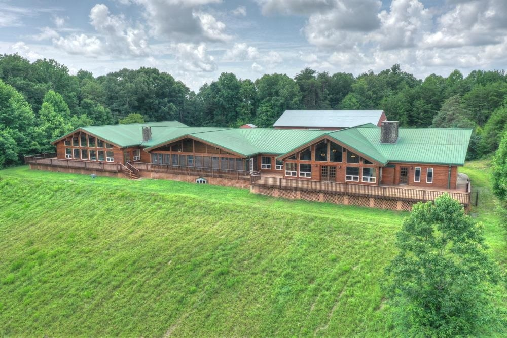 1082 Wolves Trail Property Photo